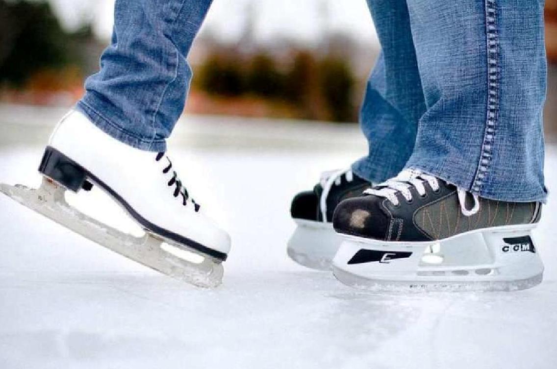 Príďte sa schladiť na verejné korčuľovanie!
